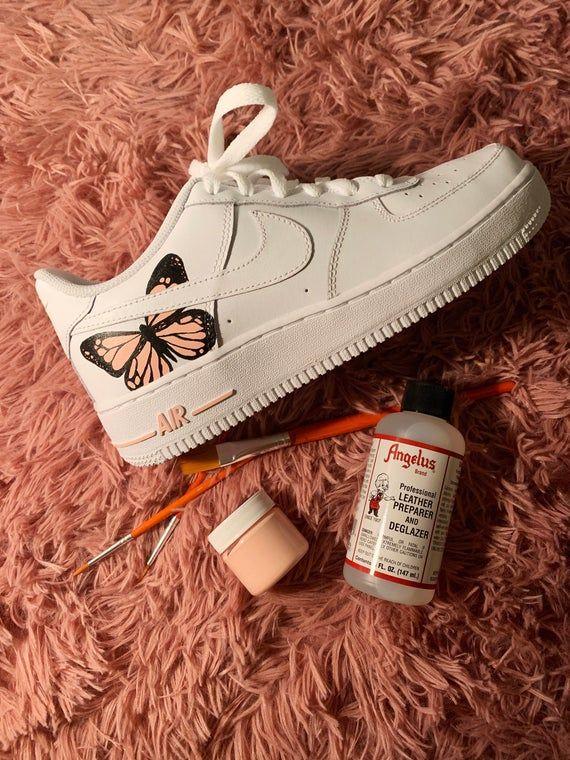 Butterfly Nike Air Force 1s AF1 in 2020 Nike schoenen