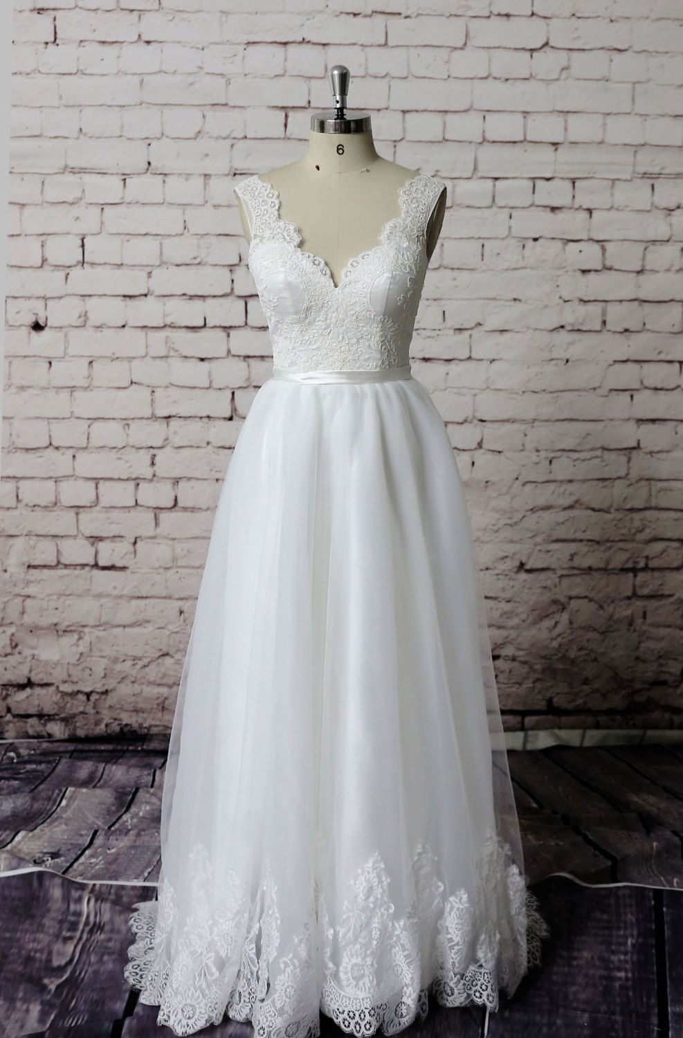 Gorgeous Lace Wedding Dress Lace Straps Bridal Gown Simple Ivory Wedding Gown A Line Wedding Dres Wedding Dresses Nz Ivory Bridal Gown Wedding Dress Organza