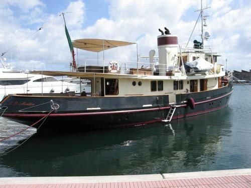 This looks like a nice boat for $800k but it's in Malaysia