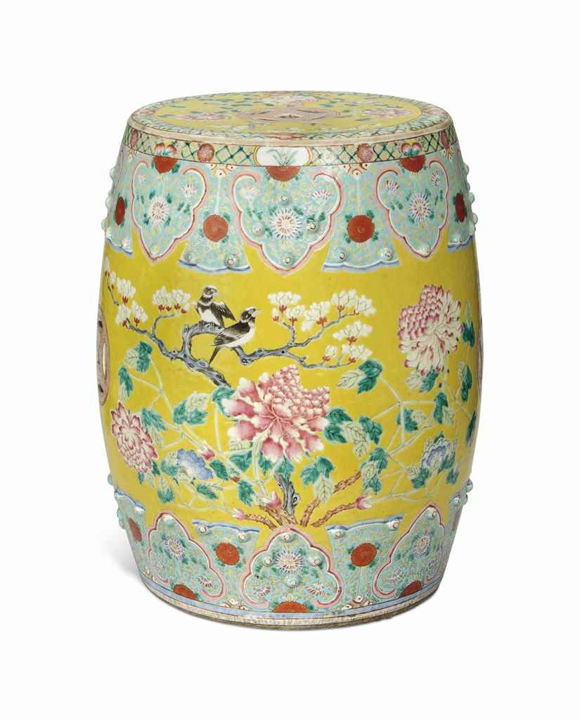 A CHINESE YELLOW GROUND FAMILLE ROSE GARDEN SEAT