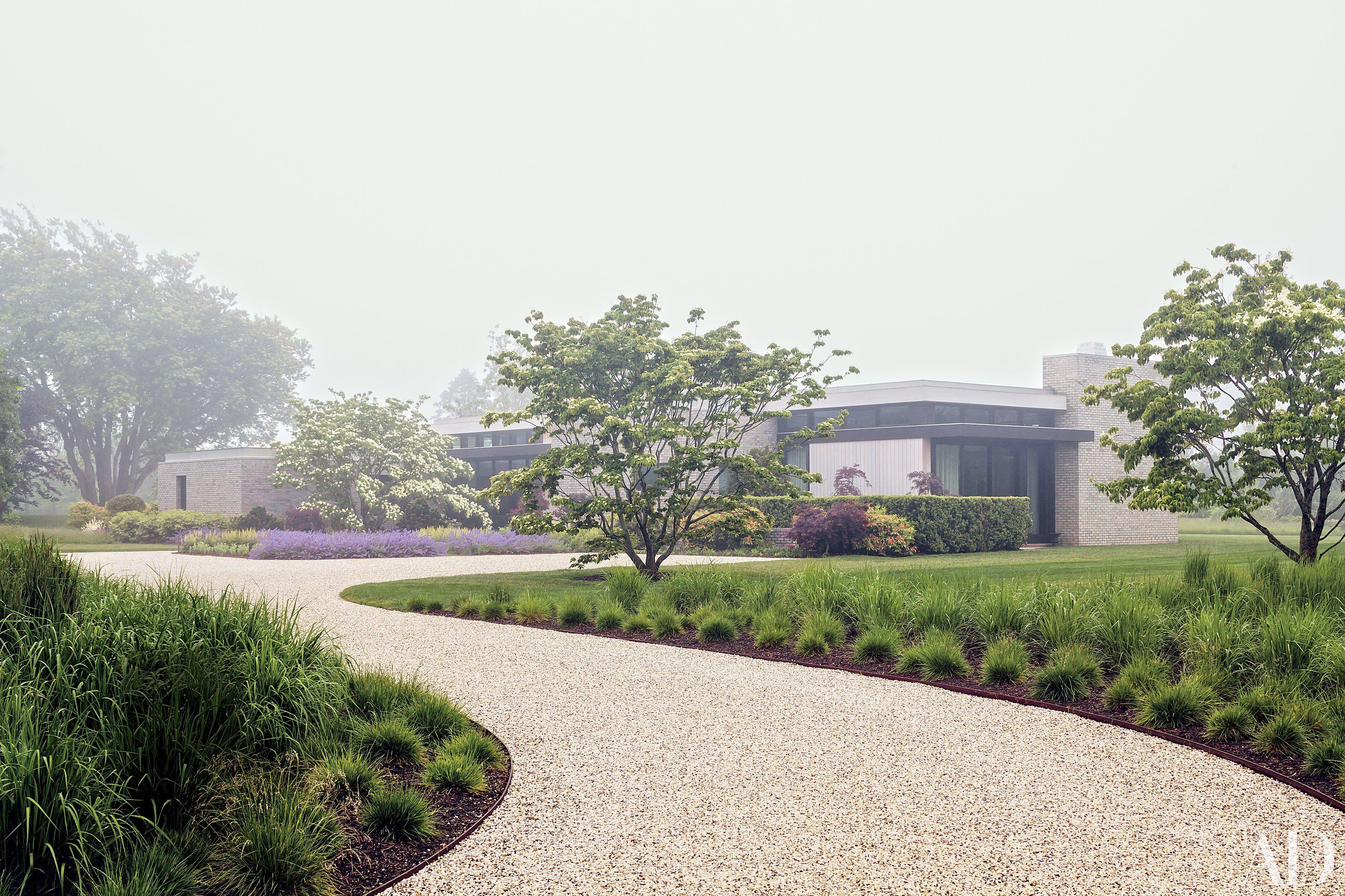 52 Beautifully Landscaped Home Gardens | Garden photos ...