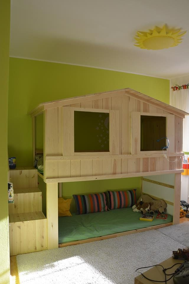 Ikea kura hack hausbett mit treppe f rs kinderzimmer for Kinderzimmer hacks