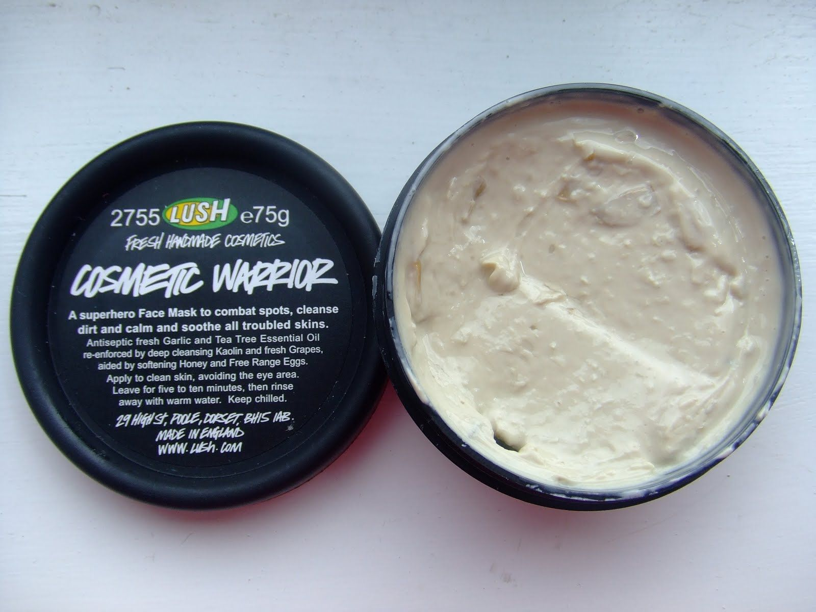 Cosmetic Warrior Face Mask From Lush Works Great On Acne Prone Skin And Doesn T Dry It Out Lush Cosmetic Warrior Cosmetic Warrior Lush Cosmetics