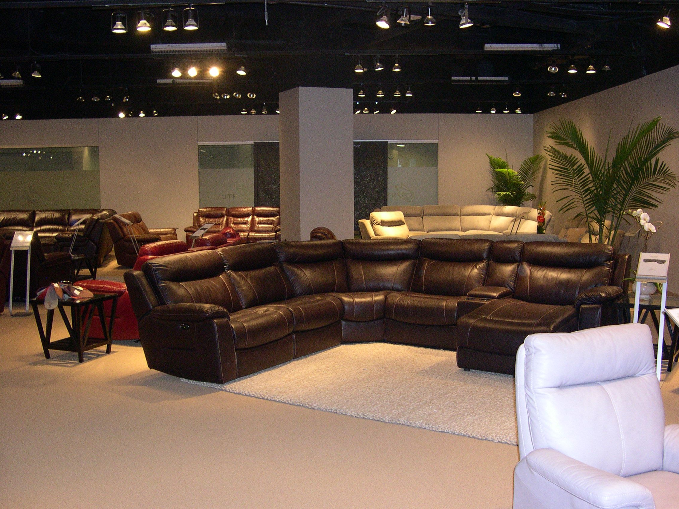 Htl Leather Sectional Reclining Las Vegas Furniture