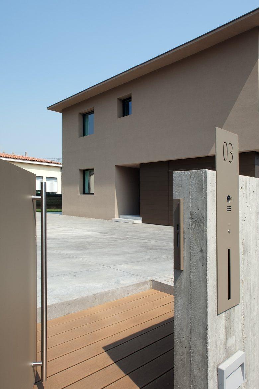 La ristrutturazione ad abano terme firmata mide architetti ingressi haus hausnummern e garten - Progetti e costruzioni porte ...