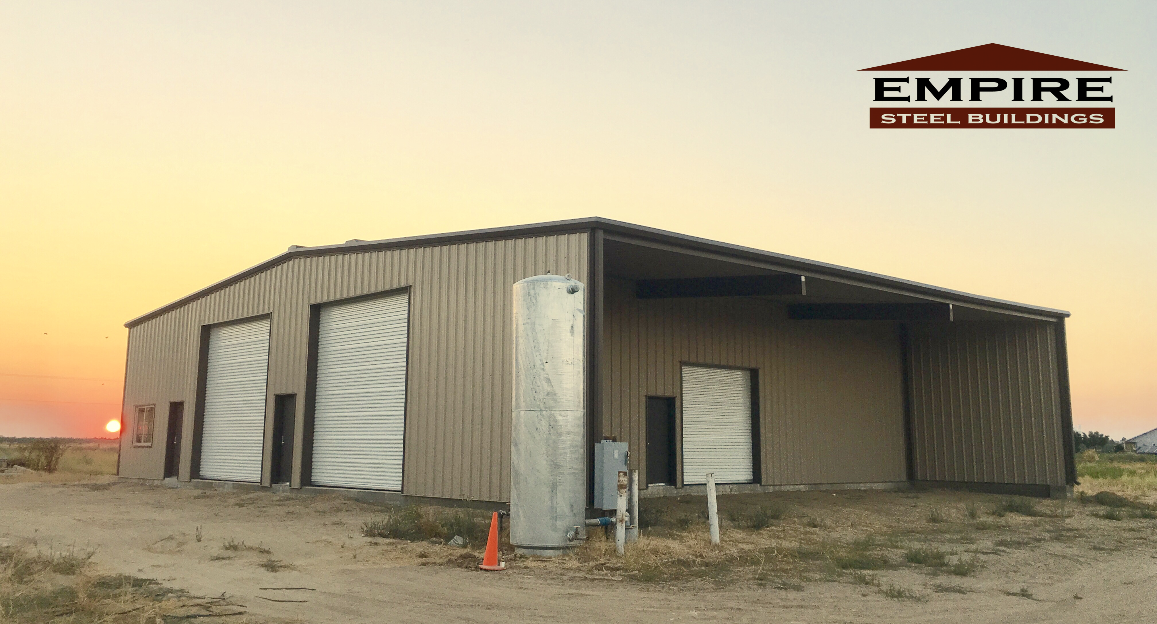 40 X 60 X 17 Steel Building In Turlock Ca Provided By Empire Steel Buildings Steel Buildings Building Outdoor Decor