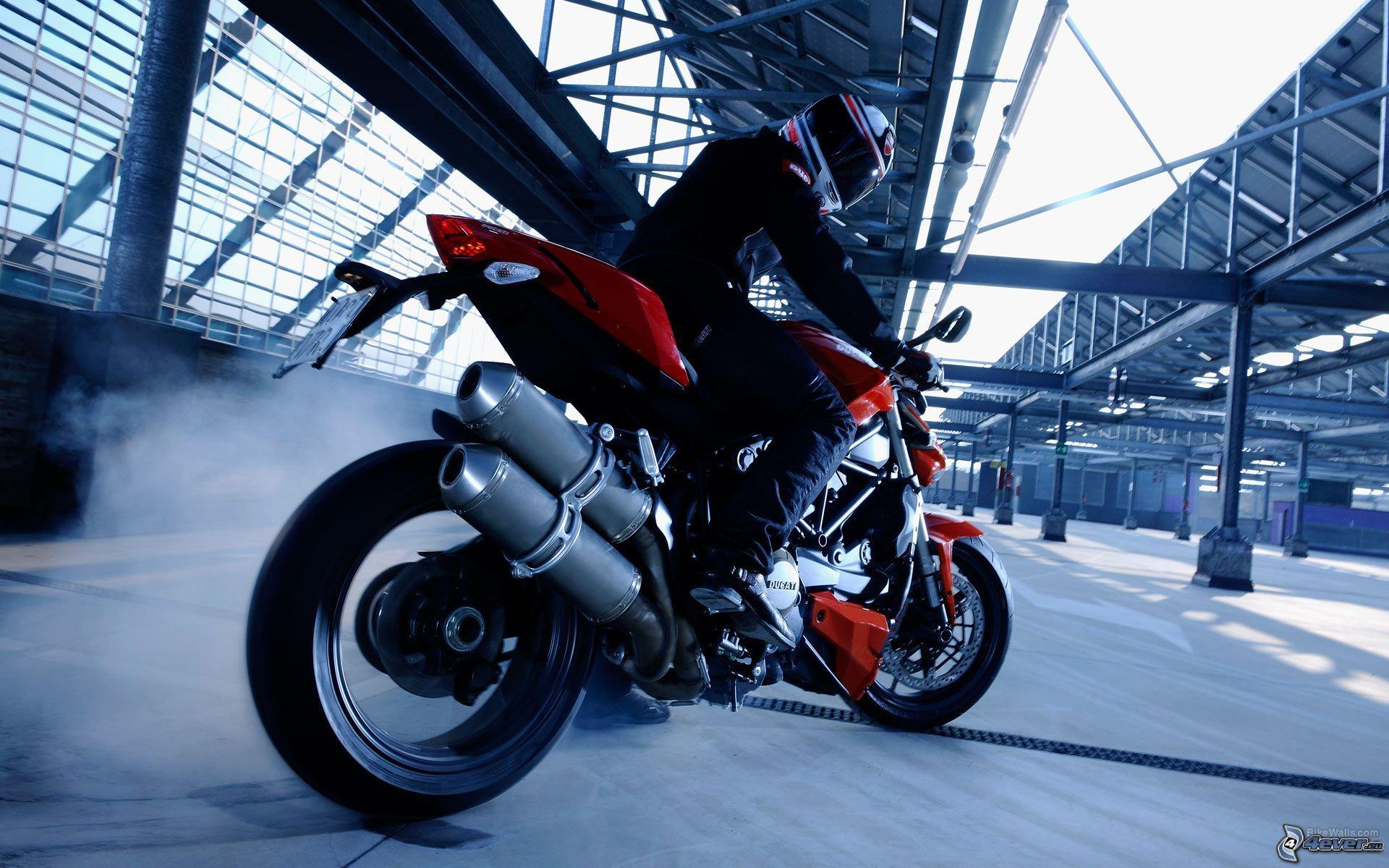 2014-Ducati-Streetfighter-848-Ducati-848.jpg 1920×1200 pixels