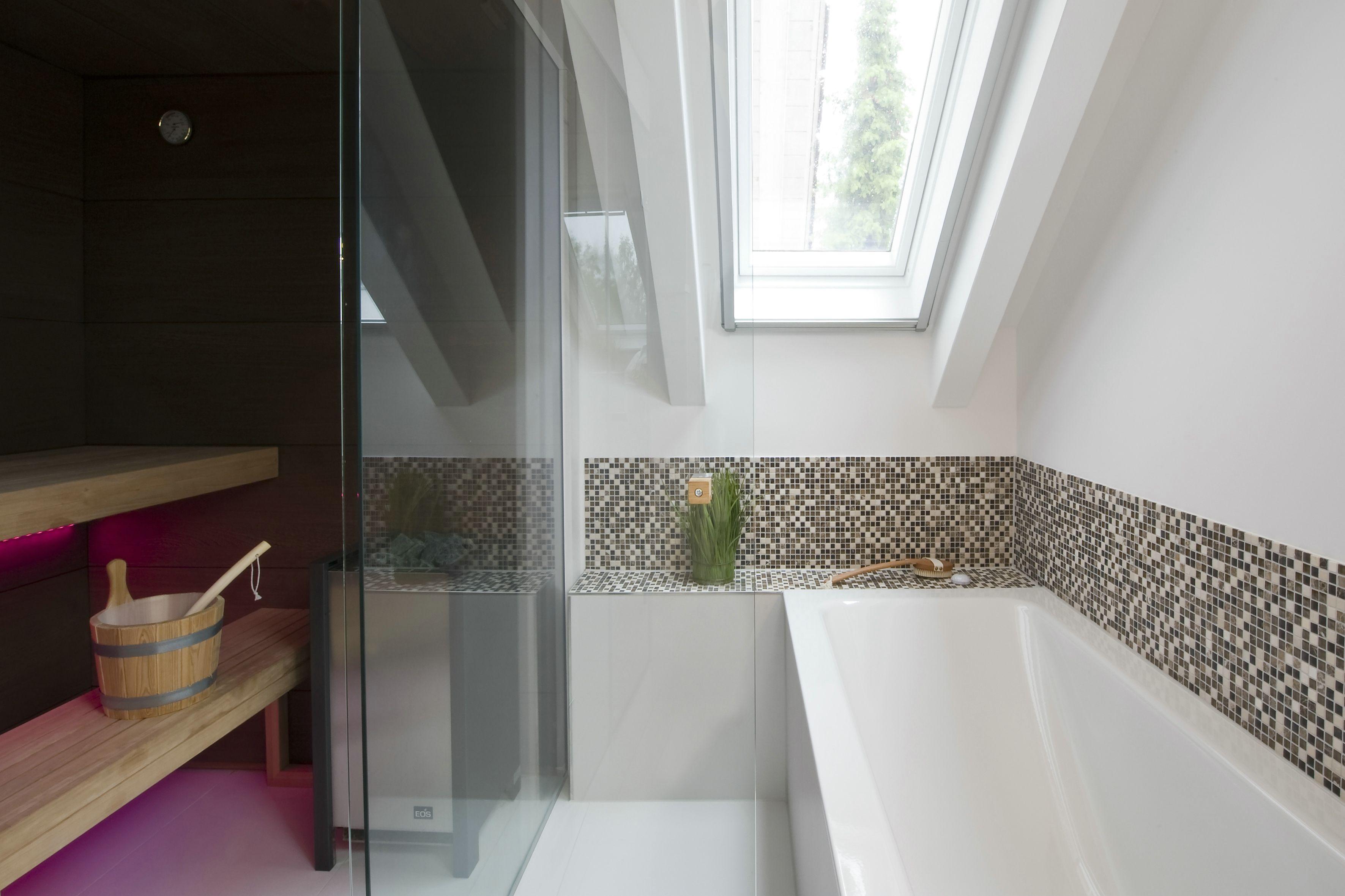 Wellness für Zuhause: Privates Spa im Dachgeschoss  Badezimmer