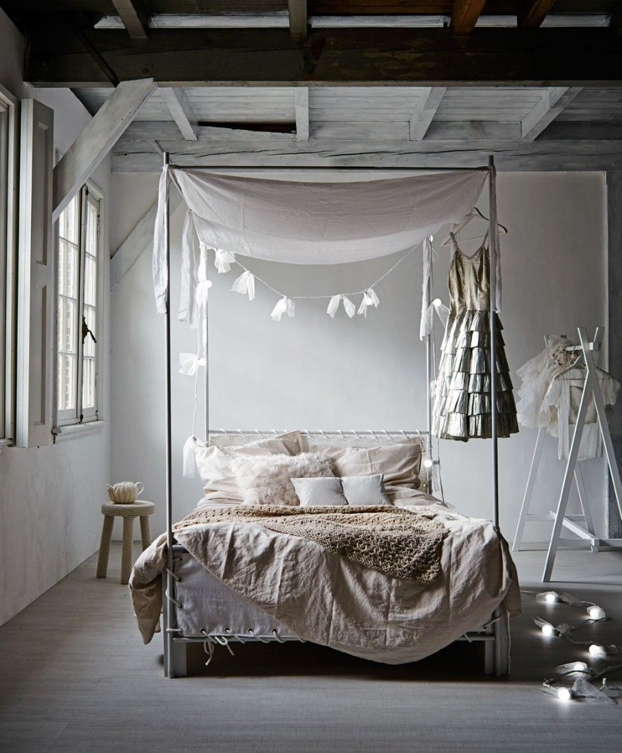 Beau This White Bedroom May Look Simple, But It Is So Whimsical! The Homemade  Canopy