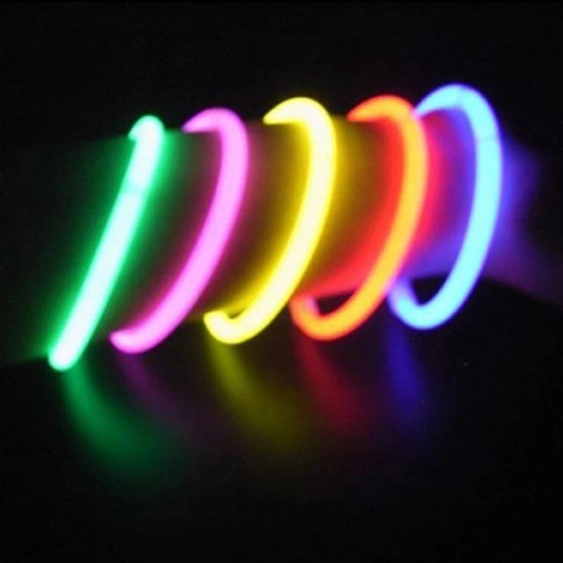 100 Pcs Party Glow Sticks Bracelets Or Necklaces Kuschlig Lights Glow Sticks Glow Stick Party Glow Stick Wedding