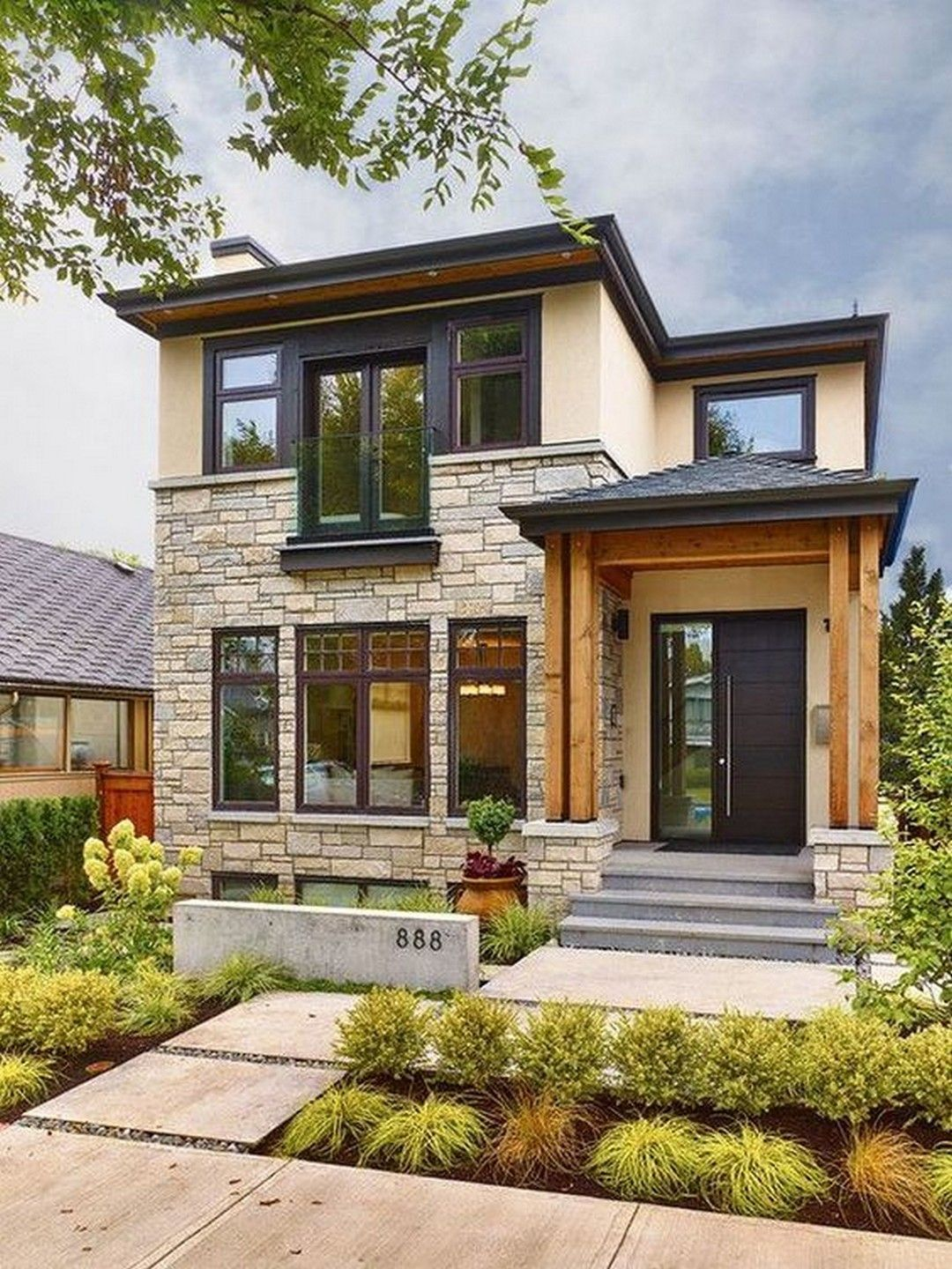 Exterior House Design: Beautiful Modern Stone Farmhouse To Invite Classy And