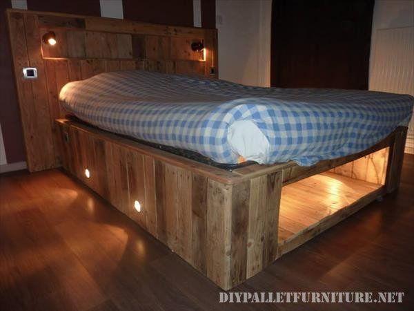Bett gemacht mit Paletten Bohlen und einer Matratze 6