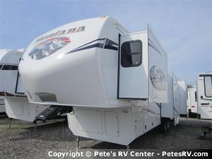Everything you need for a great camping experience you'll find in the 2013 Mountaineer 362RLQ.  http://petesrv.com/2013_Mountaineer_362RLQ_Fifth_Wheel_Trailer_Keystone_RV/73FE03.html