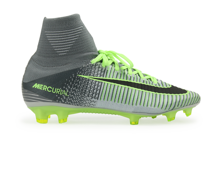 Mens Nike Mercurial Superfly V (FG) Firm-Ground Football Boot combines a  lightweight