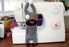 [DIY] Jednoduchá handmade hračka z ponožky