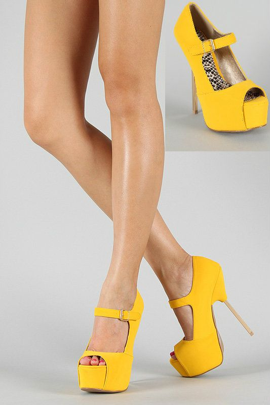 Micha Wearing Canary Yellow Heels When She Went To Ricku0027s Bedroom