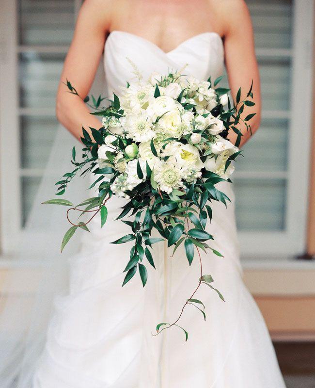 White Flower Wedding Bouquets: Dark Greenery #weddingbouquet #bridalbouquet #flowers