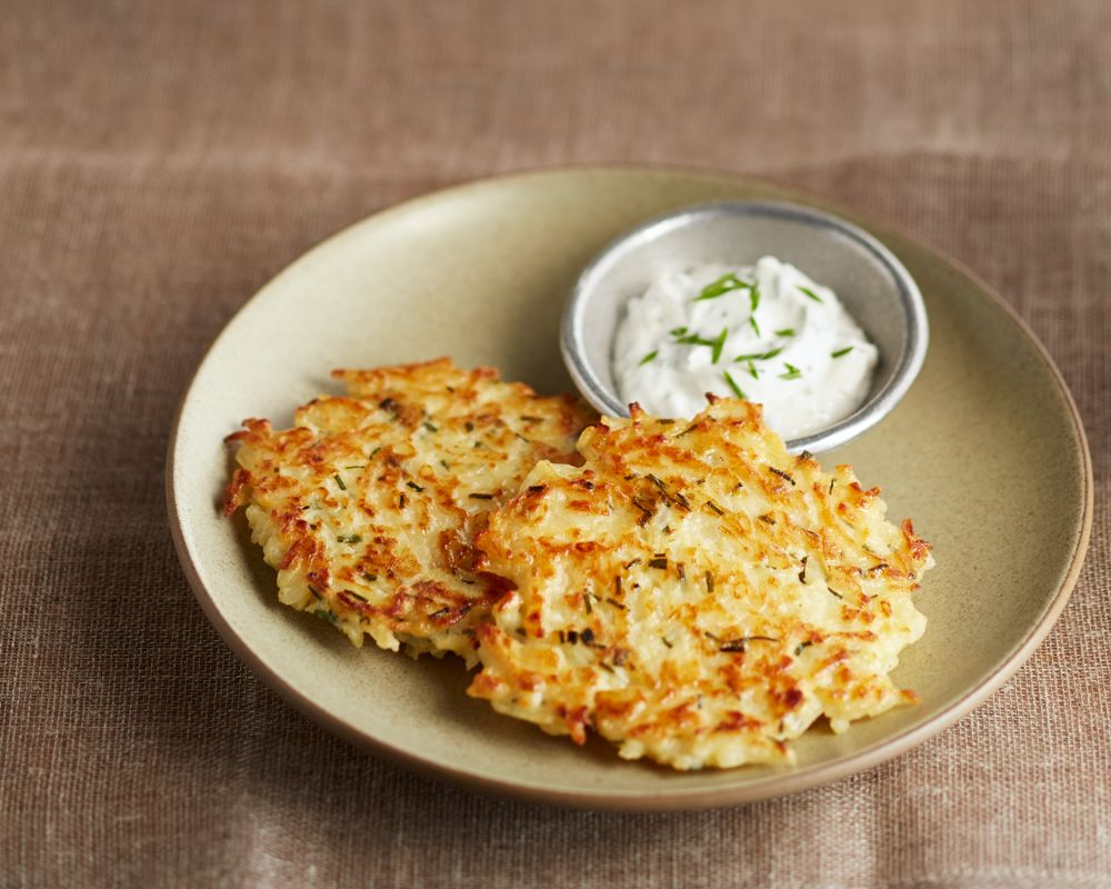 Horseradish Hashbrowns Crispy Hashbrowns Infused With Herbed Horseradish And Sour Cream Hashbrown Recipes Crispy Hashbrowns Hashbrowns