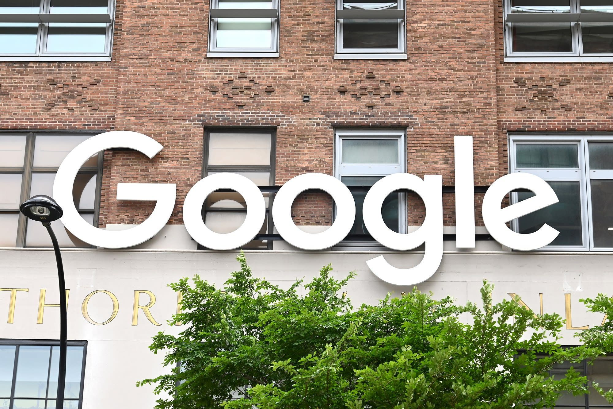 Google Announces 100 000 Scholarships For Online Certificates In Data Analytics Project Management And Ux Project Management Online Certificate Programs Scholarships