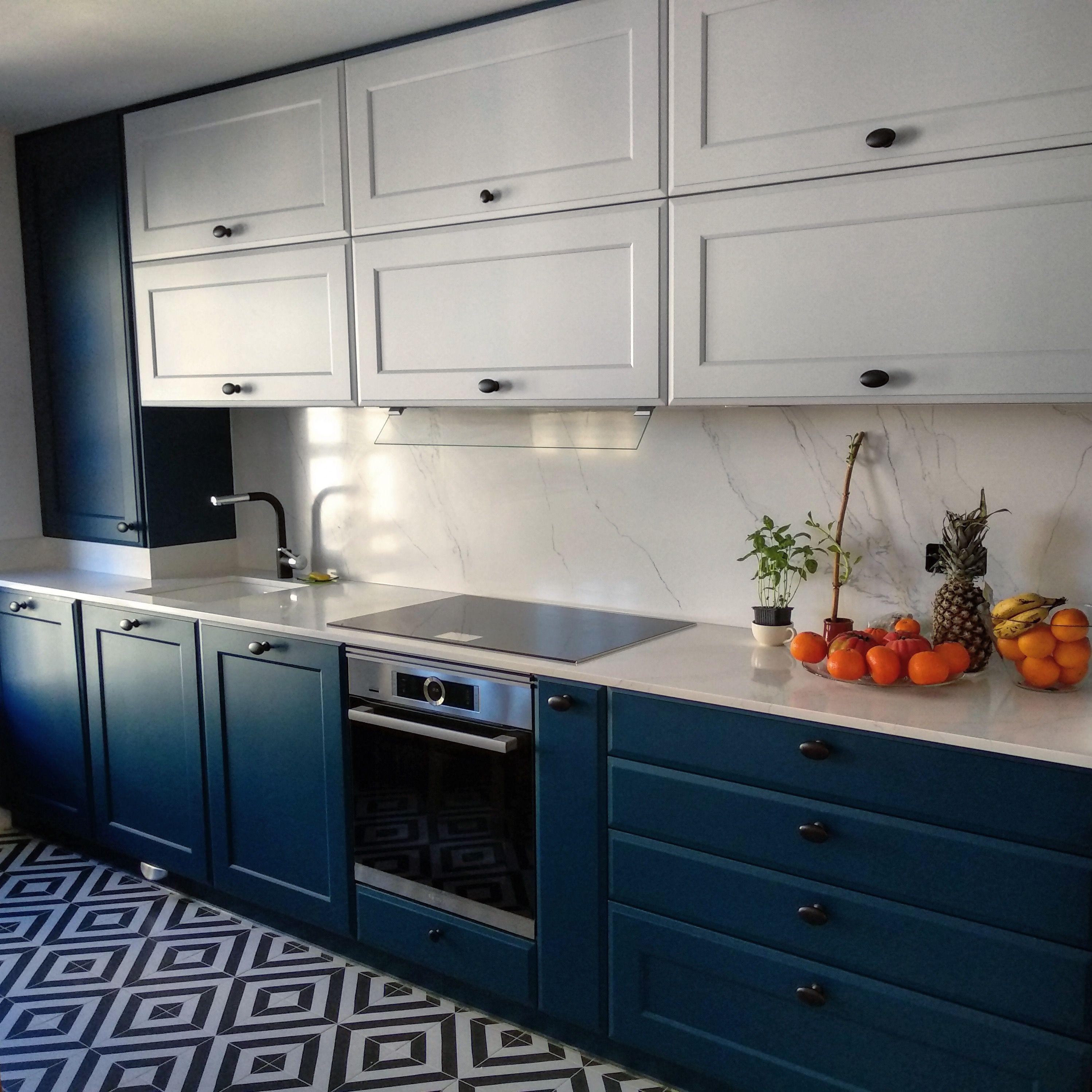 Calacatta Gold, Azul y Blanco | LED, Seda y Iluminación
