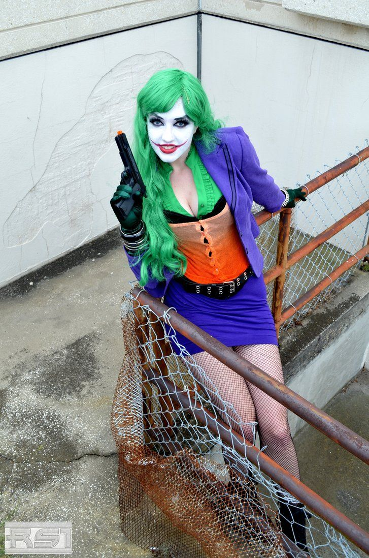 This Young Lady Does A Great Genderbent Joker Mugshot