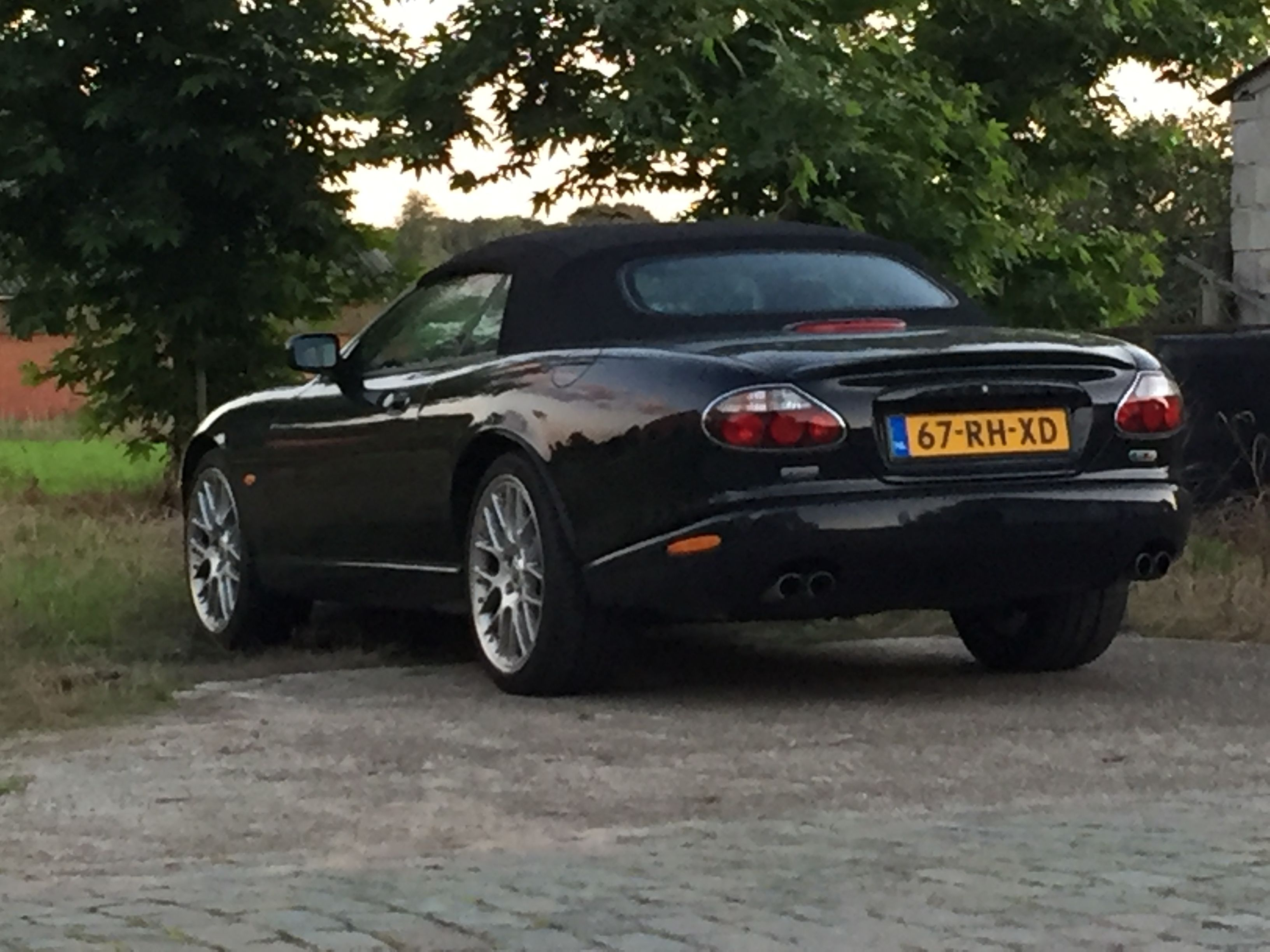 wiki file august d frontansicht cabriolet bcsseldorf jaguar