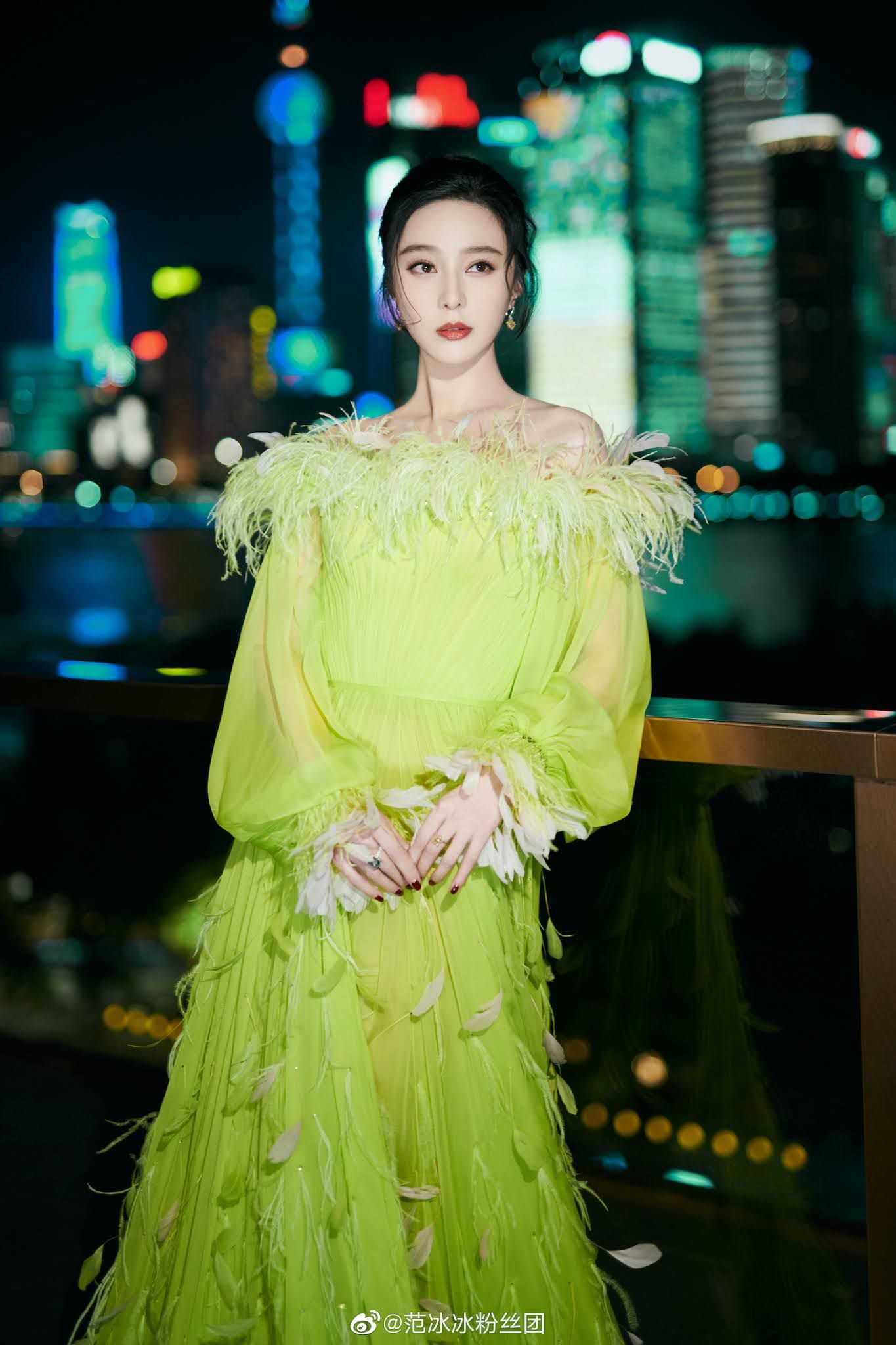 Jin Chen poses for photo shoot   China Entertainment News