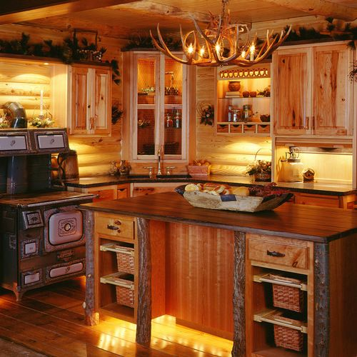1,082 Traditional Log Cabin Decorating Kitchen Design Ideas & Remodel Pictures | Houzz