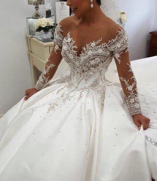 Aus der Schulter Langarm Perlen Brautkleid