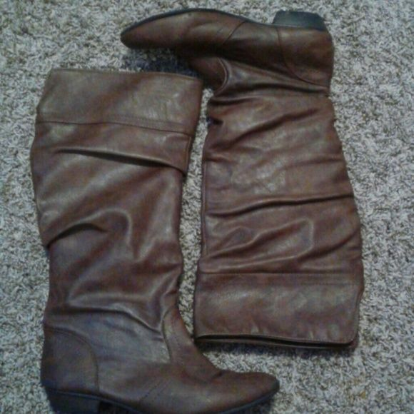 Brown boots Bought two years ago. Not worn a whole lot since then. Shoes Winter & Rain Boots