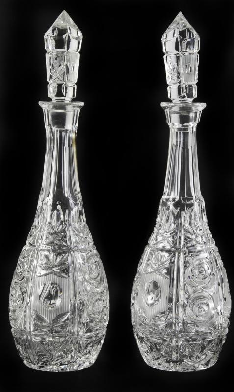 MARILYN MONROE PAIR OF PRESSED GLASS DECANTERS