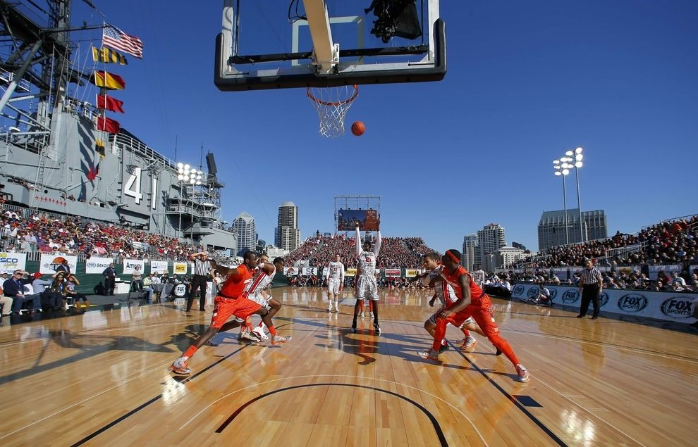 21 Breathtaking Photos Of A College Basketball Game Played On An Aircraft Carrier College Basketball Basketball Games Online Basketball Games