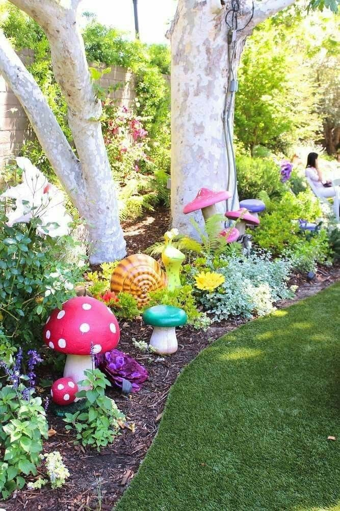 cute garden decorated with mushrooms for alice in wonderland garden party mad hatters tea. Black Bedroom Furniture Sets. Home Design Ideas