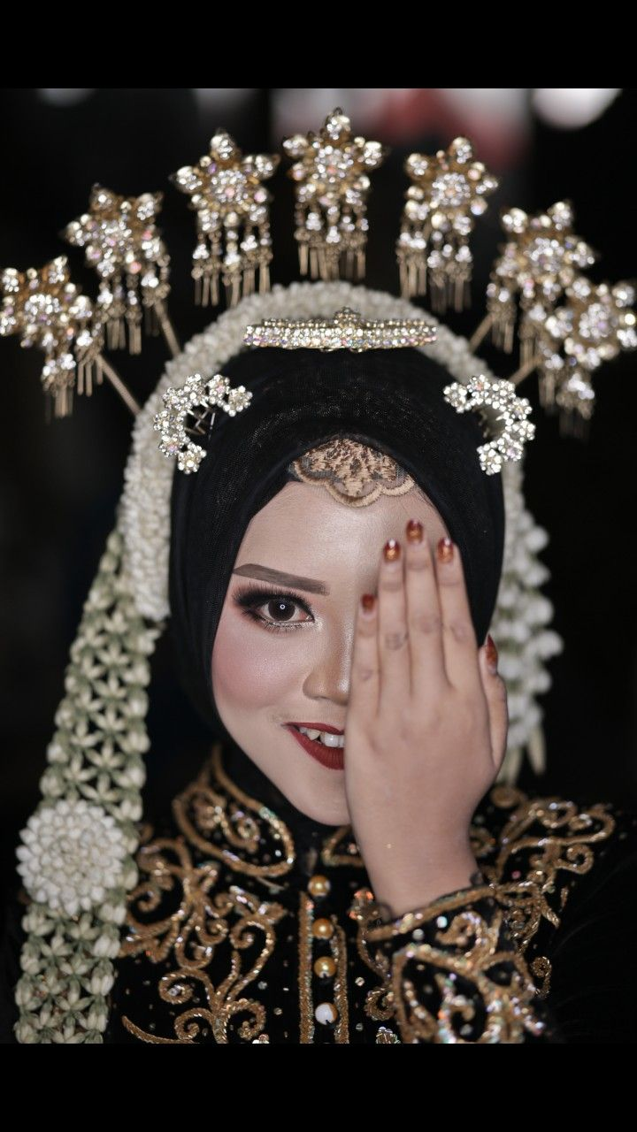 Foto Pengantin Jawa : pengantin, Pengantin, Muslim, Ideas, Muslim,, Kebaya, Wedding,, Javanese, Wedding