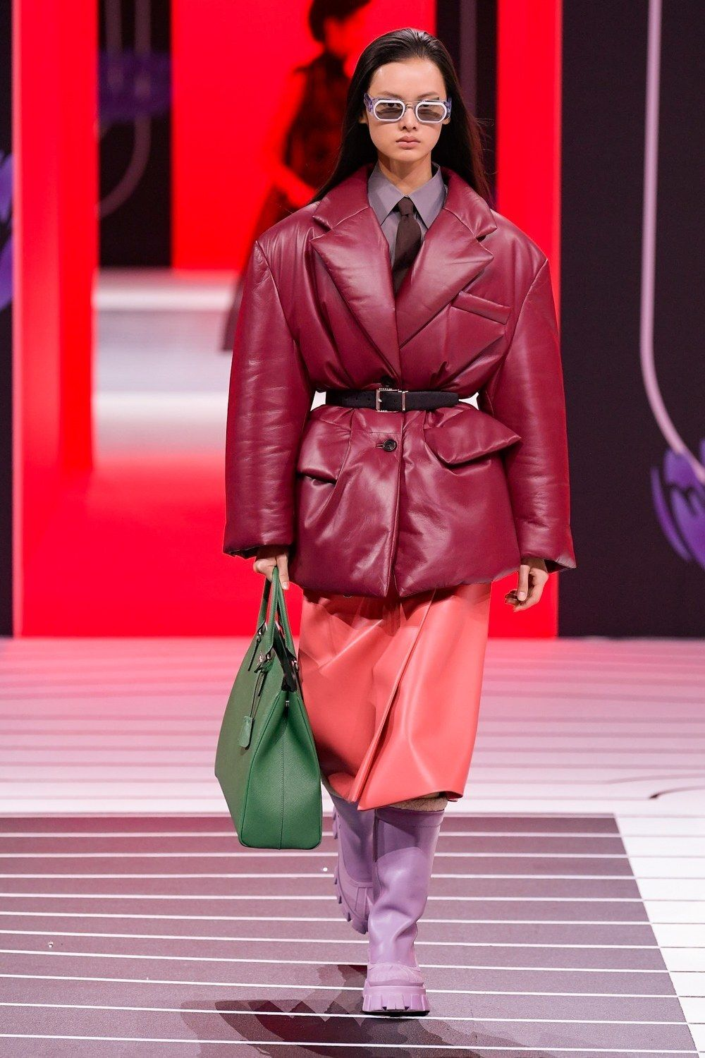 Prada Fall Winter 2020 21 Fashion Show In 2020 Ready To Wear Milan Fashion Week How To Wear