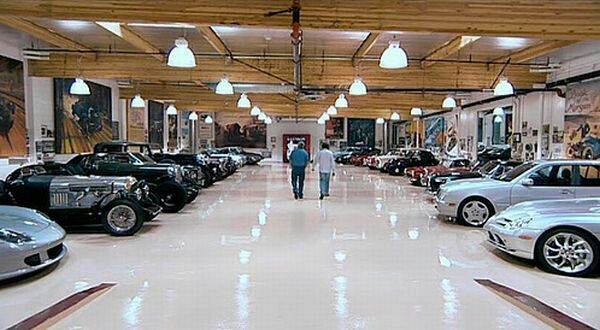 Jay Leno's Garage is a 122,000 Square Feet Building and ...