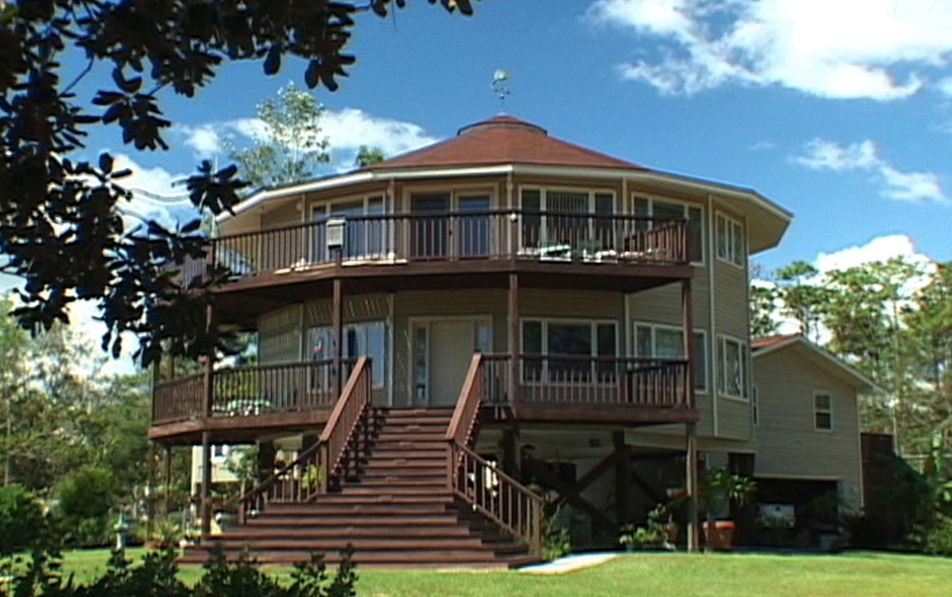 Delightful Deltec Home
