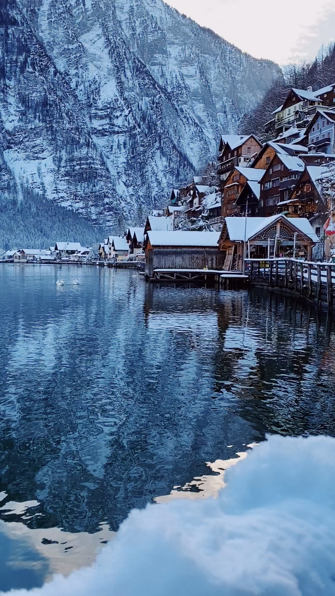 via @finduslost | Hallstatt, Austria is one of the most picturesque European towns I have ever been to. Stay overnight in this dream destination to avoid the crowds and take full advantage of its stunning scenery in the evenings and early morning. Hallstatt in winter is just as magical with the snow covered rooftops and mist over the mountains. #hallstatt #austria #europeantravel #bucketlisttravel #finduslost