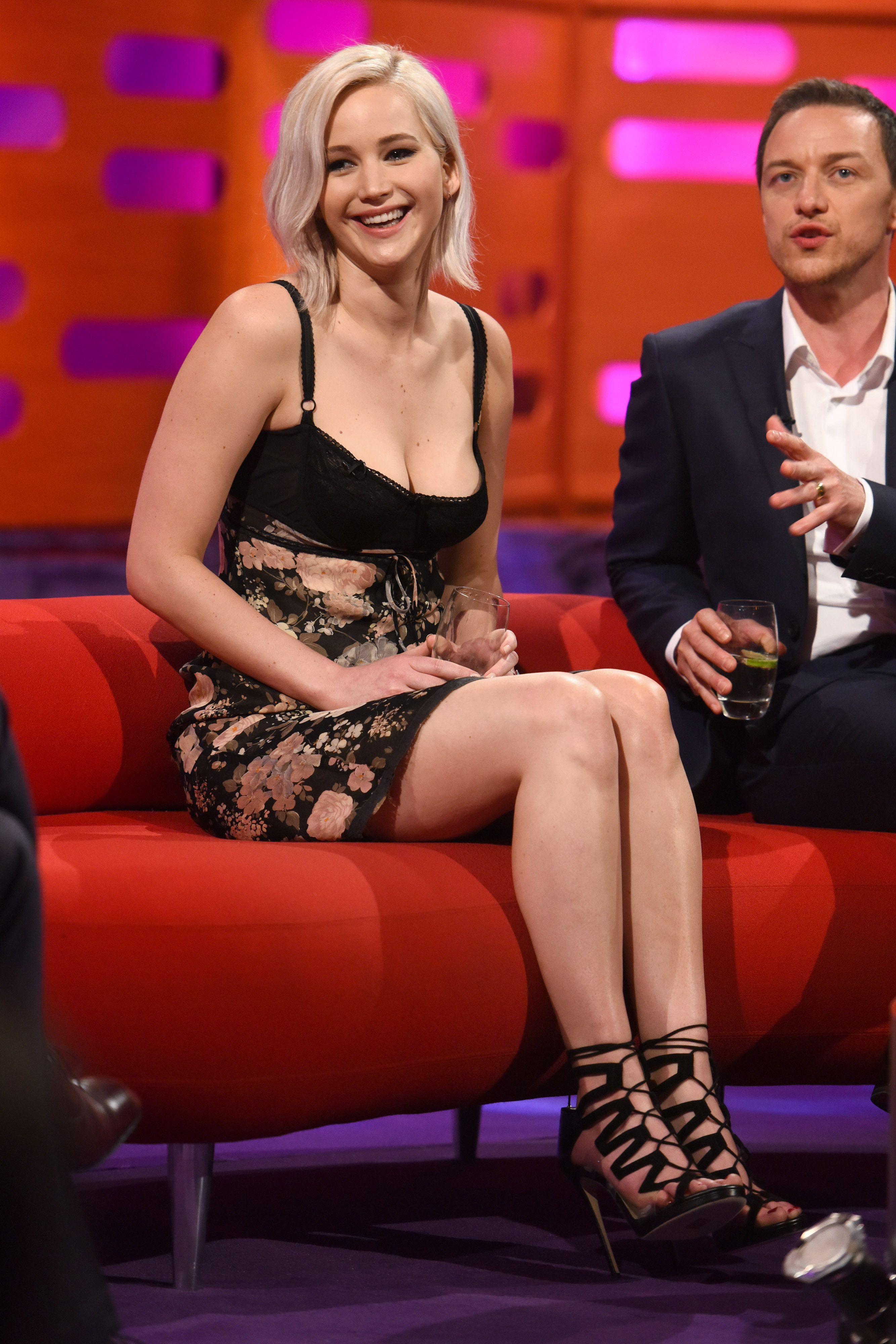 Jennifer Lawrence's Feet << wikiFeet | Jennifer Lawrence ...