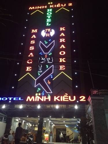 Minh Kieu 2 Hotel My Tho Minh Kieu 2 Hotel is situated in My Tho, 46 km from V?nh Long. Free private parking is available on site.  Every room at this hotel is air conditioned and is equipped with a flat-screen TV. Certain rooms include a seating area where you can relax.