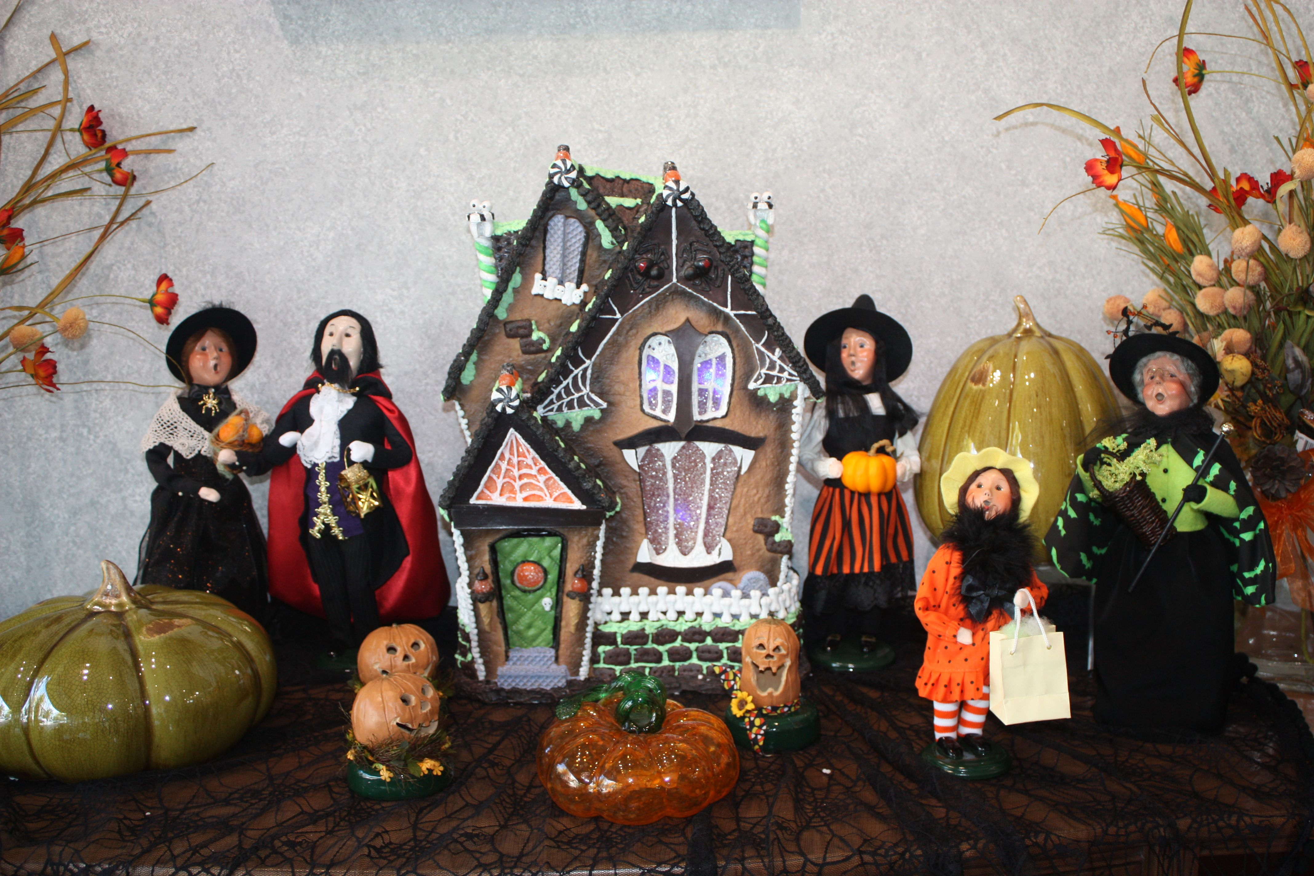 Halloween Buyers Choice decorations. A great display to