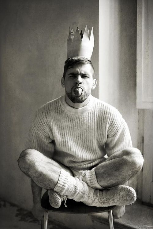 Knit Inspiration: Unknown. The king can be cheeky in his knitted sweaters and sweater all he wants to!