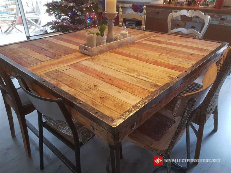 Tavolo Da Pranzo Con Pallet.Ecco Questo Tavolo Rustico Per Sala Da Pranzo Realizzato Con