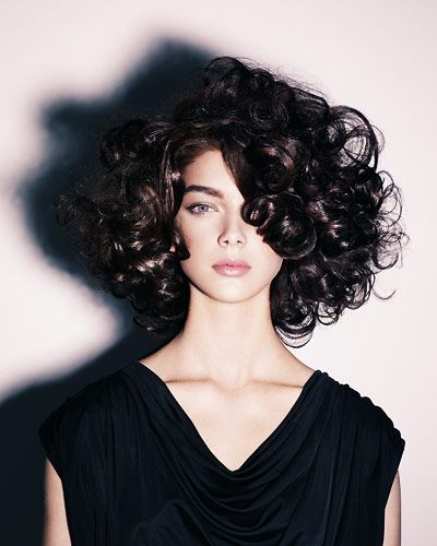 Mittellange Frisurentrends 2019 Frisuren Naturlocken - Haar Frisuren 2015