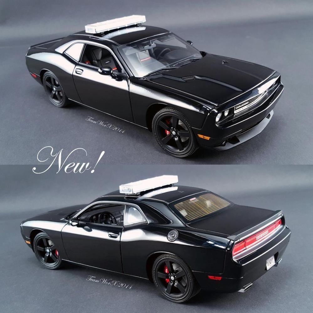 Acme dodge challenger srt8 blackout chase car diecast car 1 18 a1806008