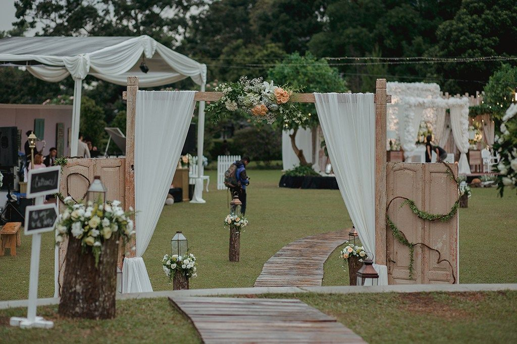 Pernikahan Outdoor Rustic Garden Party di Bandung the