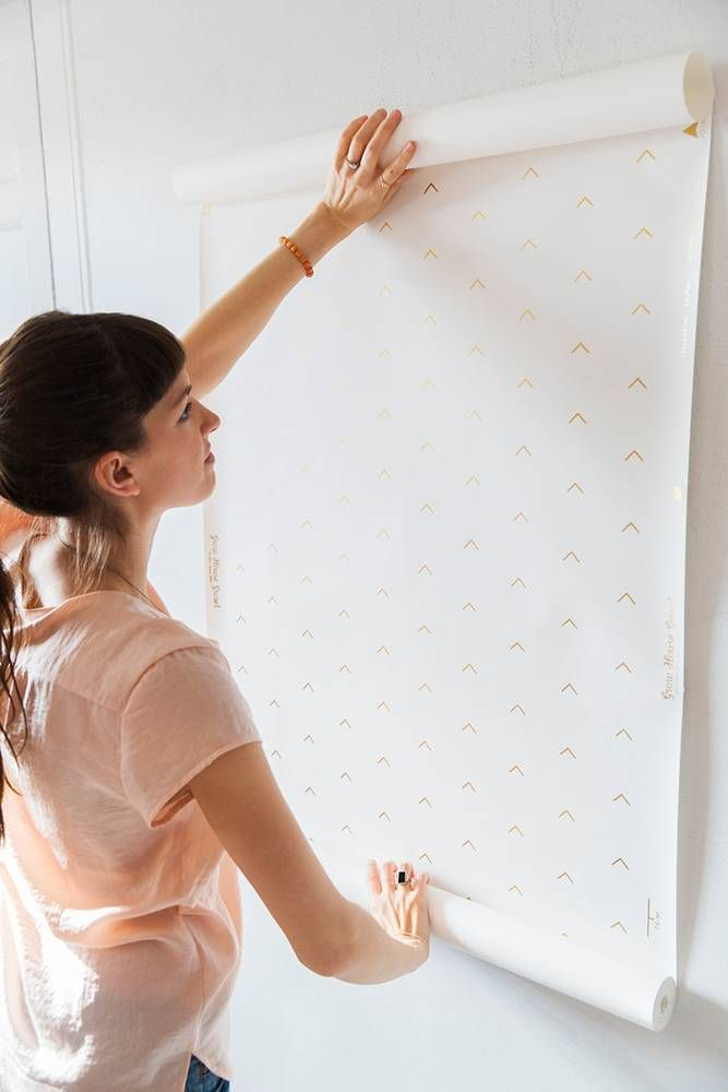how to hang new wallpaper