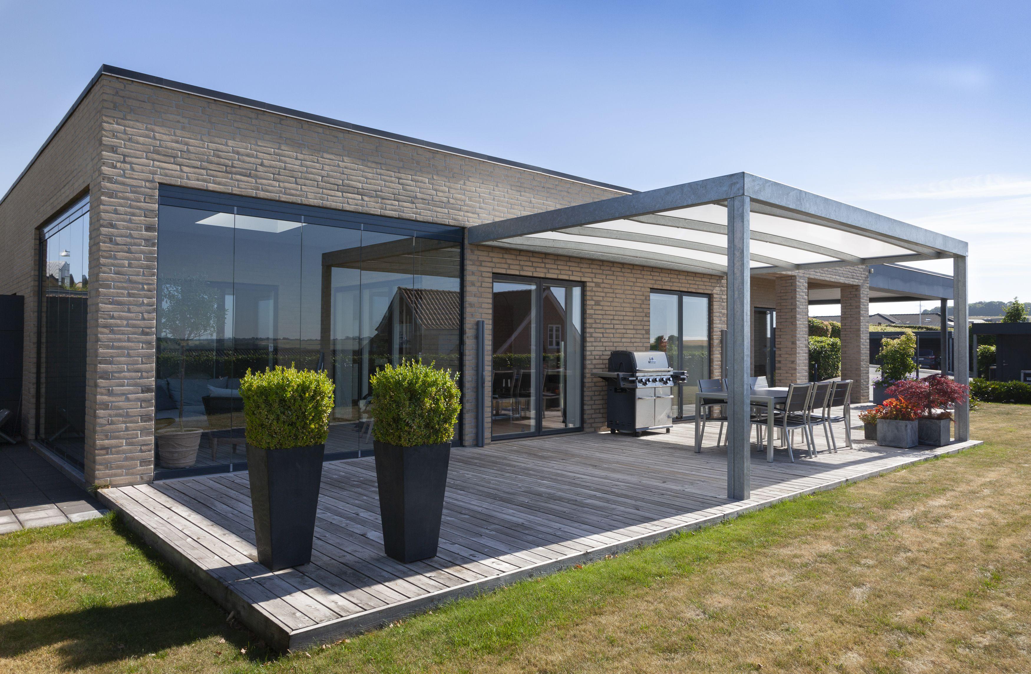 Vellidte Lyngsøe overdækket terrasse er en flot og elegant HG-31