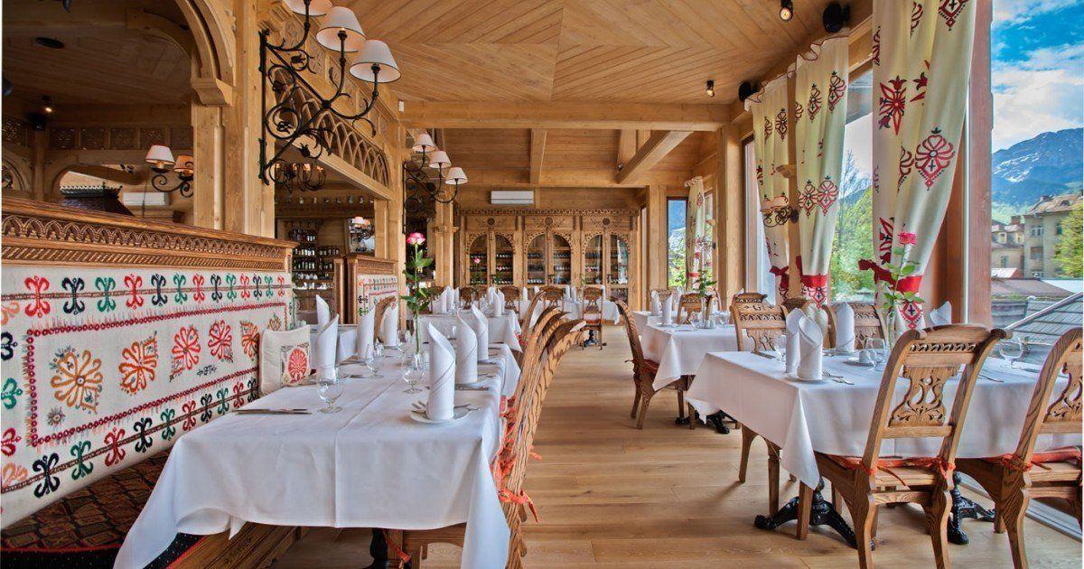 Galeria Restauracja I Cukiernia Goralska Tradycja Table Decorations Decor Home Decor