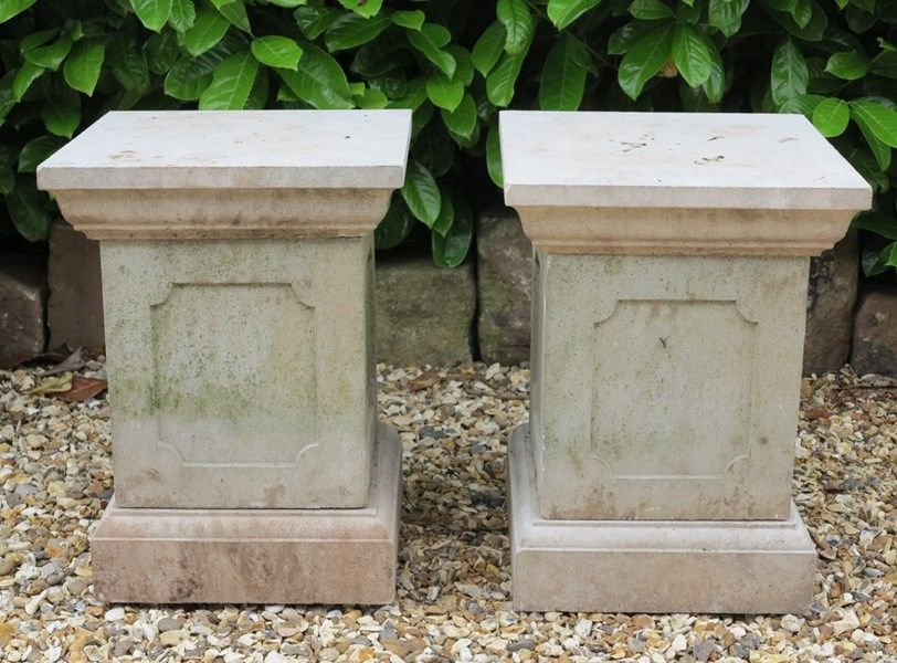 Wonderful Beautiful Pair Of Garden Plinths Ideal For Urns, Planters And Statues, They  Are A